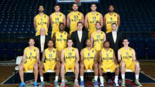 Maccabi Electra Tel Aviv 2014-15 (Landesberg is No. 15). Photo credit: Maccabi Tel Aviv BC.