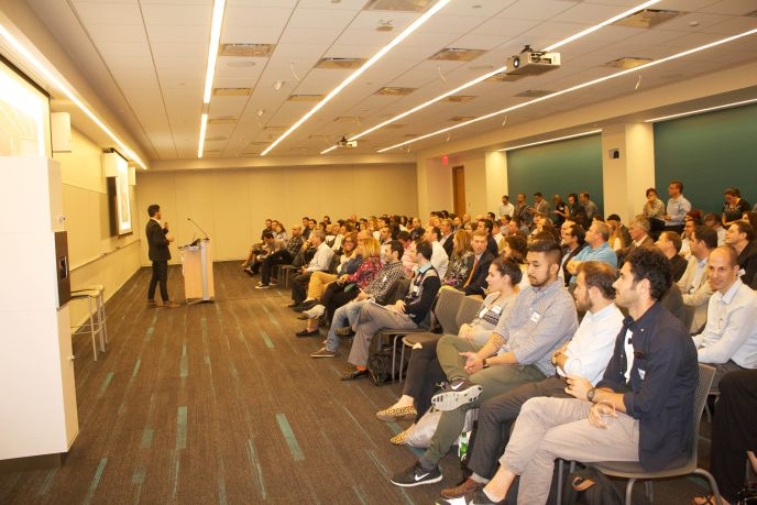 Lior Vaknin speaking at the first meeting of Israeli Startups NYC.