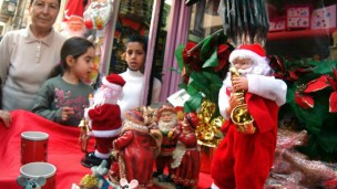 Christmas vendors abound in the Wadi Nisnas neighborhood of Haifa. Photo by Jorge Novominsky/FLASH90