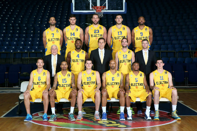 Maccabi Electra Tel Aviv 2014-15 (Landesberg is No. 15). Photo credit: Maccabi Tel Aviv BC