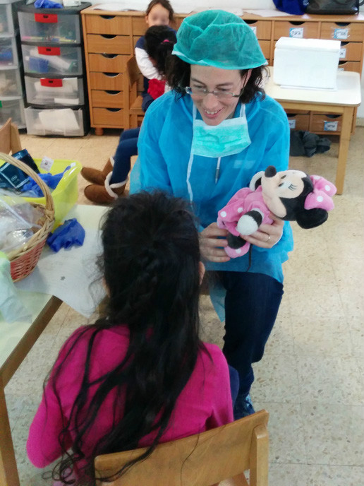 Viva Sara Press playing nurse to a sick Minnie Mouse.