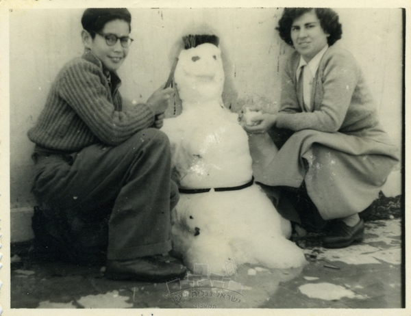 Israel-family-album-snow_7