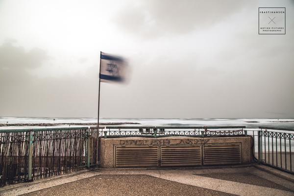 Tel-Aviv-Stormy-Beach-Front_BastiHansen_1