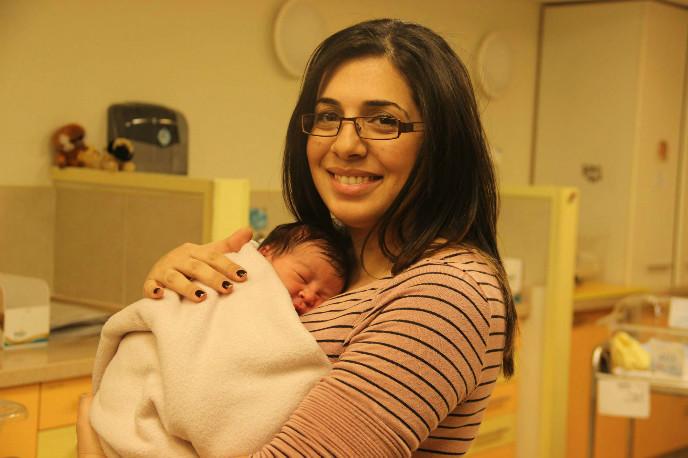 Miri Hillel and her newborn at Hadassah Baby. Photo by Tsiporet Eisenberg