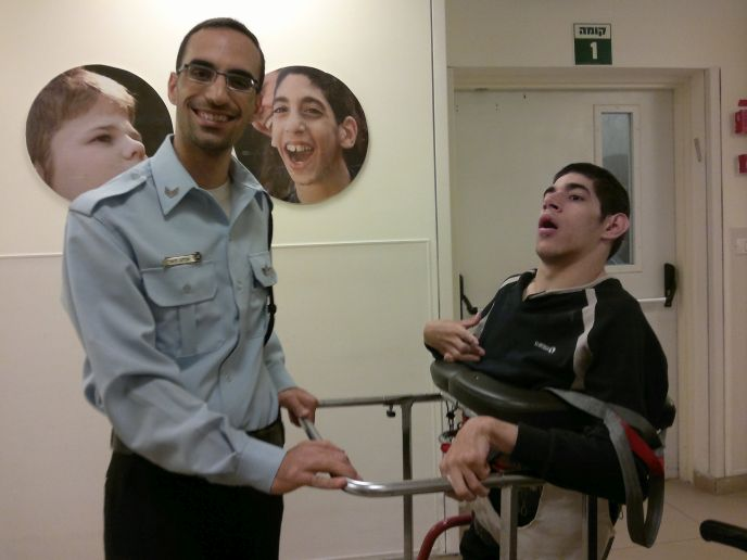 Officer Elchanan training with his ALEH partner.