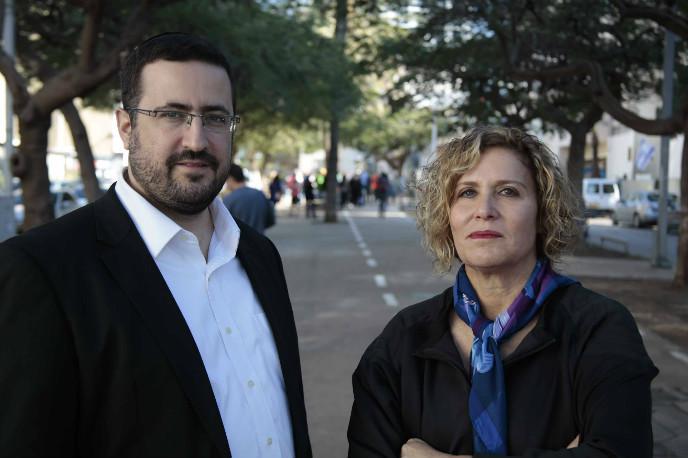 Friedman and Abzuk on Tel Aviv's Rothschild Boulevard. Photo by Dani Vardi