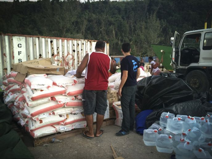 IsraAID brings food and water to cyclone-ravaged Vanuatu. Photoby IsraAID.