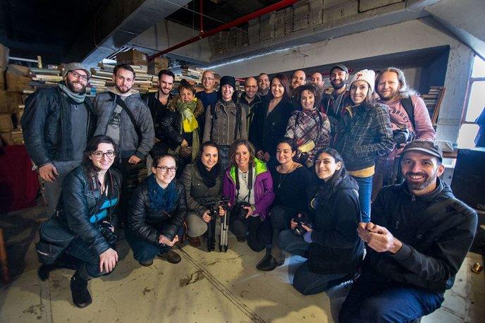 52Frames members on a Tel Aviv photowalk. (Photo: Yosef Adest and Yonatan Mishal)