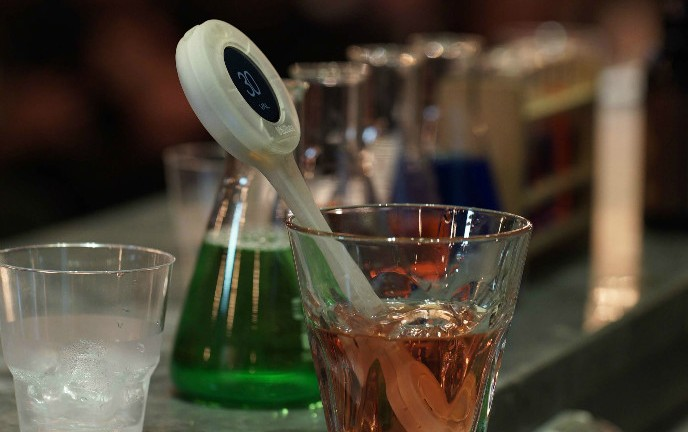 Valiber's swizzle stick monitors the sweetness level of any food or drink.