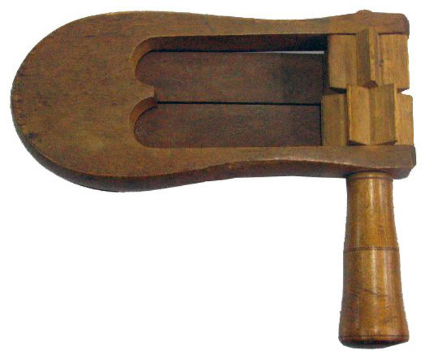 purim-noisemakers-hammer-style
