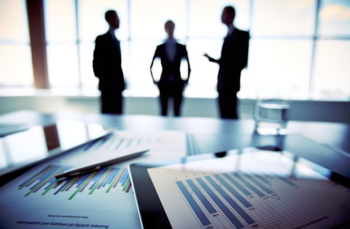 Fin-tech isn't just for men anymore. Image via Shutterstock.com