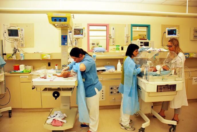 Israeli preemie babies arrive at Schneider Children's Medical Center from Nepal. (Photo: Schneider Children's Spokesperson's Office)