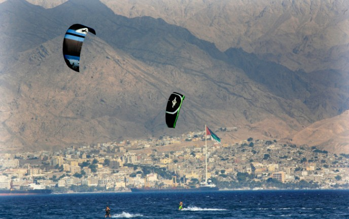 Paragliders in the Gulf of Aqaba with Jordan in the background. Photo by NatiShohat/FLASH90