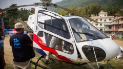IsraAID evacuates the wounded in Nepal.
