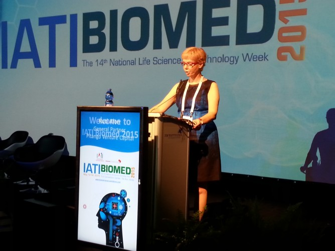 IATI Biomed co-chair Ruti Alon greeting conference participants.