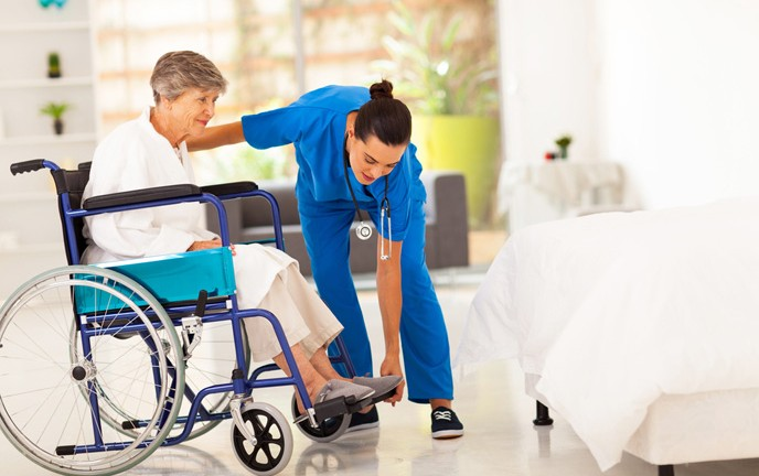 Immobility in hospital leads patients to discharge in worse condition. (Shutterstock.com)