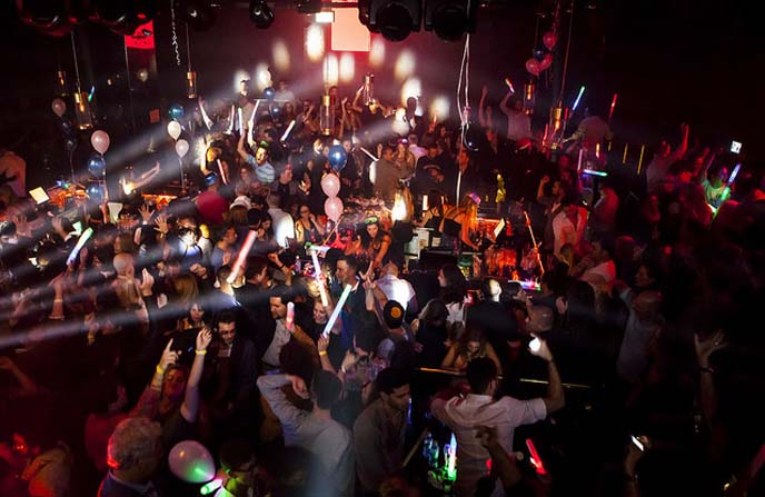 Late-night party in Tel Aviv. (Photo by Kfir Bolotin)