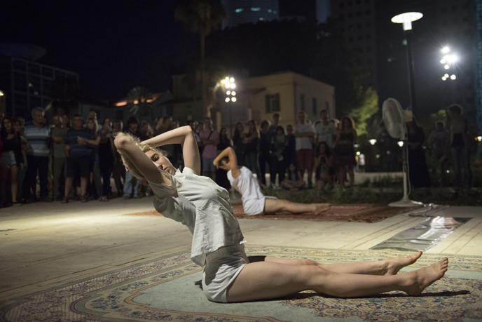Street performers during Tel Aviv's White Night all-night celebration. (Photo by Danielle Shitrit/Flash90)