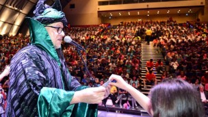 Magician Cagliostro making history in Haifa. Photo by Zvi Roger/Haifa municipality