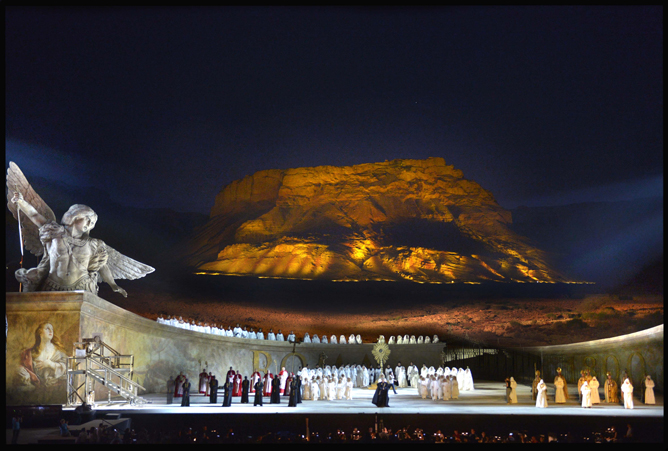 Giacomo Puccini's 'Tosca' takes the stage at the foot of Masada. (Photographer credit: Yossi Zveker)