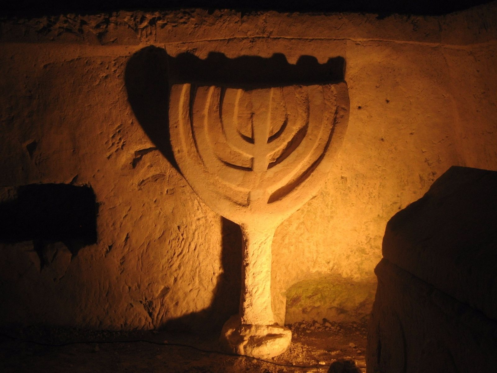 Inside Catacomb 1. Photo by Tsvika Tsuk/Israel Nature and Parks Authority