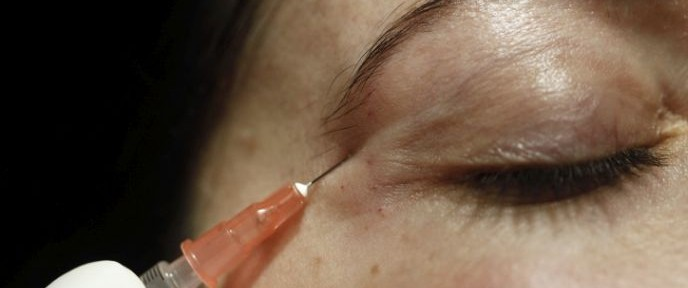 A Botox treatment at a Jerusalem salon. Photo by Uri Lenz/FLASH90