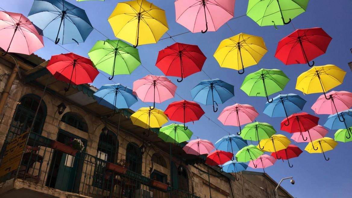 48d2d46748 1,000 parasols shade a Jerusalem street | ISRAEL21c