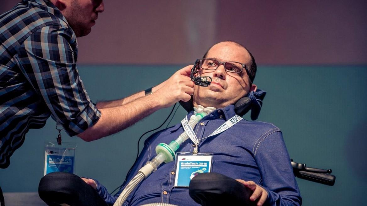EyeControl CTO Itai Kornberg, left, and Prize4Life CEO Shay Rishoni demonstrating the technology at the Israeli Brain Technology Conference. Photo: courtesy