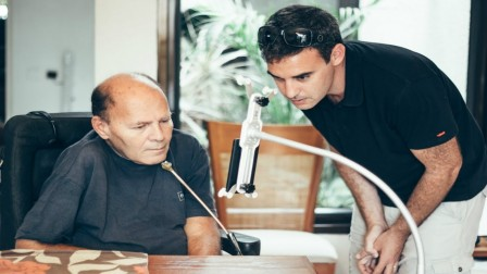 Sesame Enable CEO Oded Ben-Dov showing how to use the gesture-recognition phone. Photo: courtesy