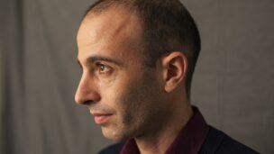 Yuval-Harari-author-of-Sa-009