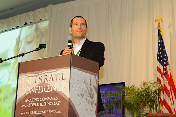"""Nadav Kidron relating the """"impossible"""" story of Oramed."""
