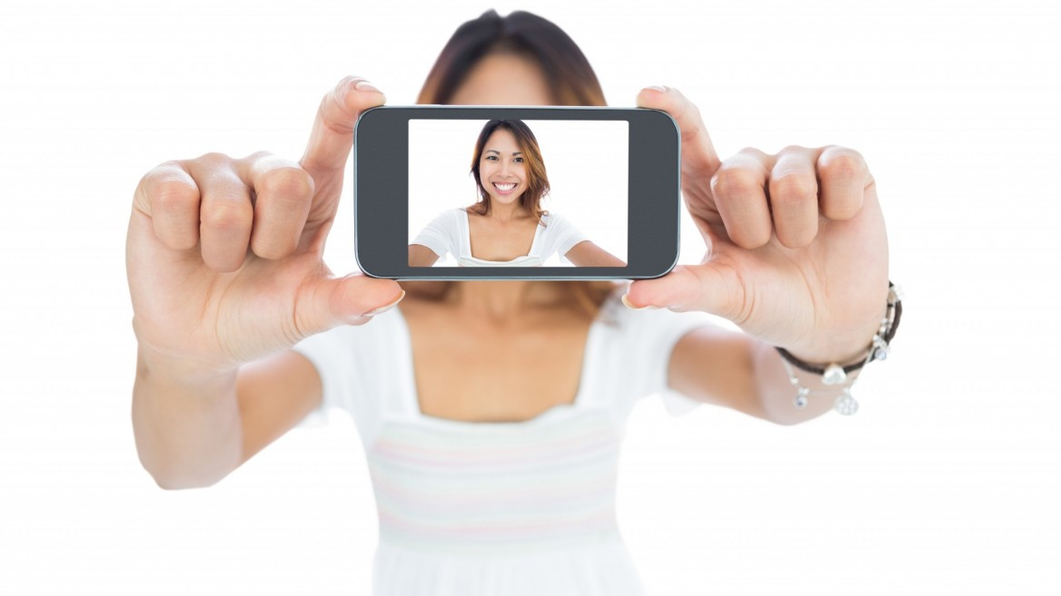 Selfie image via www.shutterstock.com