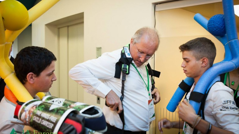 CEO of General Europe, Professor Stephan Remelt, bought a Sit Up harness from the Israeli team. Photo: JA Europe