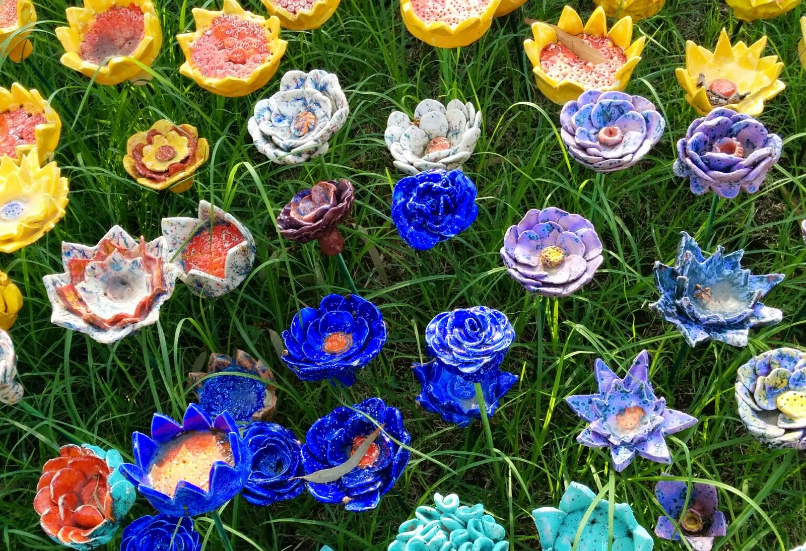 Ceramic flower garden at the Eretz Israel Museum. Photo by Viva Sarah Press