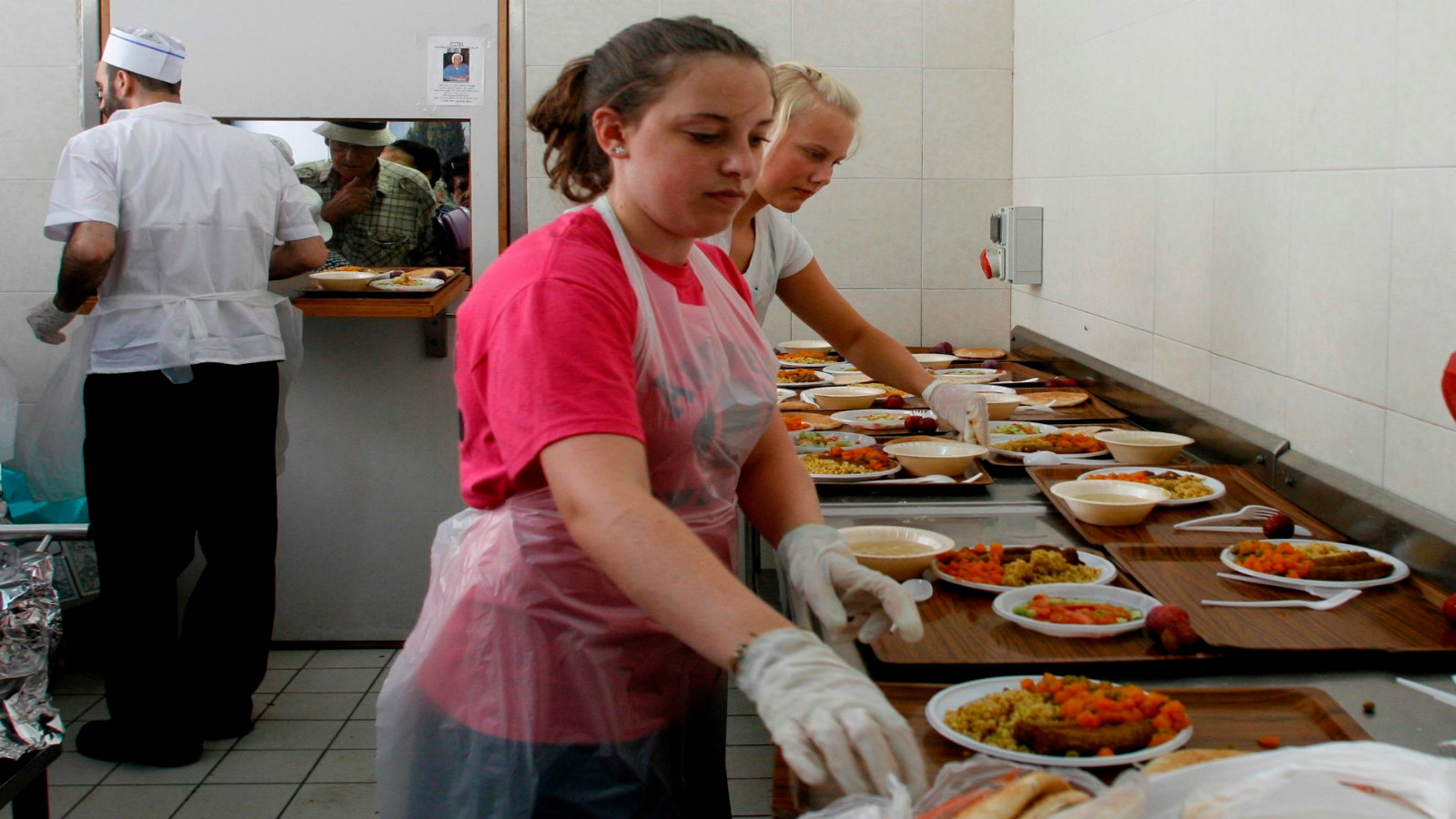 soup kitchen volunteer long island 10 ways to help society on your holiday in israel israel21c 1857