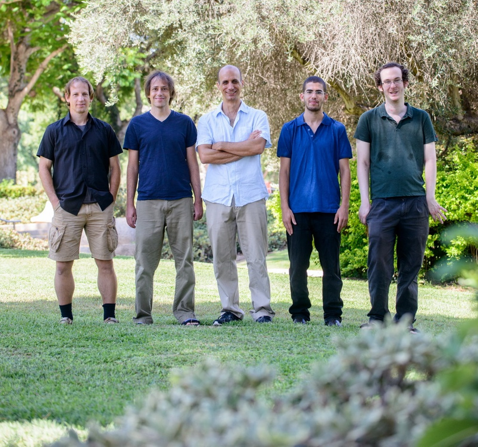 From left, Weizmann researchers Ehud Fonio, Ofer Feinerman, Prof. Nir Gov, Aviram Gelblum and Itai Pinkoviezky. Photo courtesy of Weizmann Institute