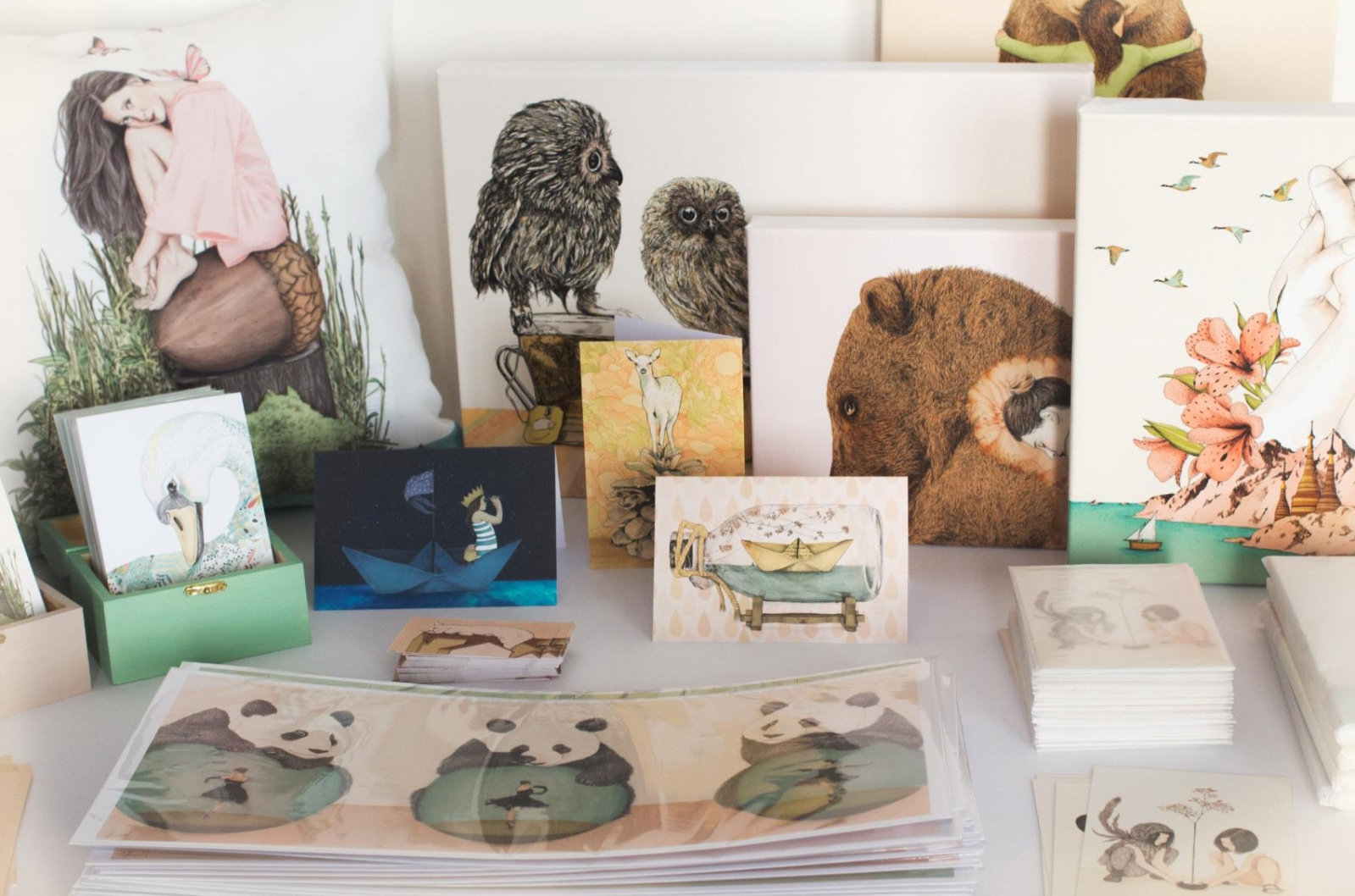 You can buy stationery goods featuring illustrations by Gabriella Barouch.