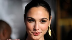 Image of Gal Gadot via wall.alphacoders.com