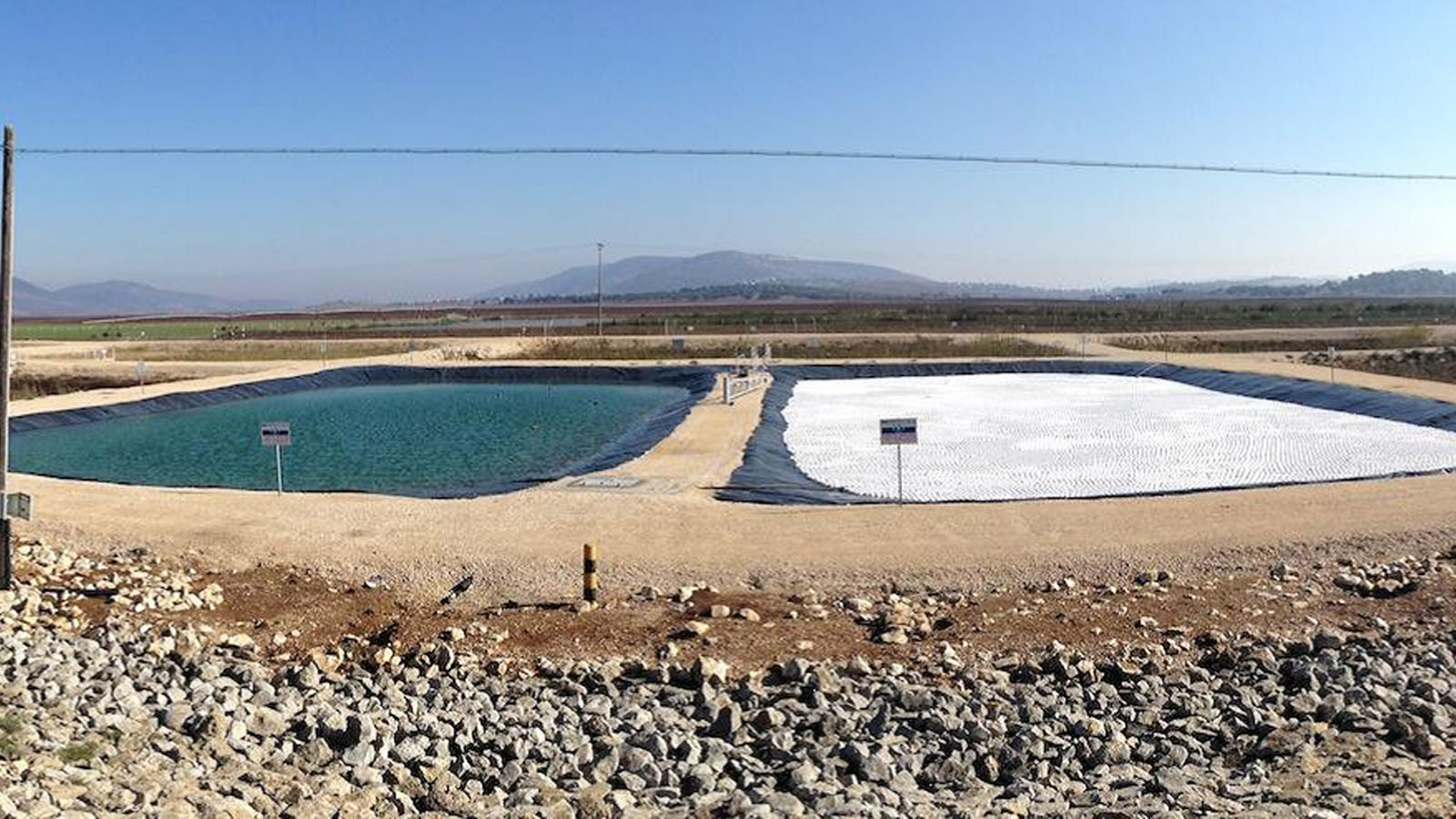 TopUp balls floating on an Israeli reservoir in Eshkol. Photo courtesy NeoTop Water Systems