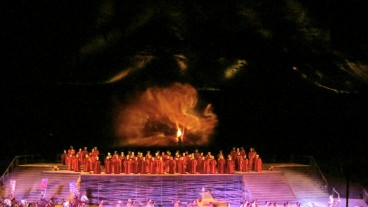 Opera at Masada. Photo by Avi-Yona Bueno, Nitzan Refaeli, Coder Tither. Reproduced by permission.