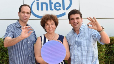 Roni Friedman, General Manager, Intellectual Property Blocks and Technologies at Intel; Shlomit Weiss, Vice President Platform Engineering Group at Intel Corporation; and Valentin Kaplan, Vice President Platform Engineering Group announce sixth generation Intel Core processor family. Photo: Israel Hadari