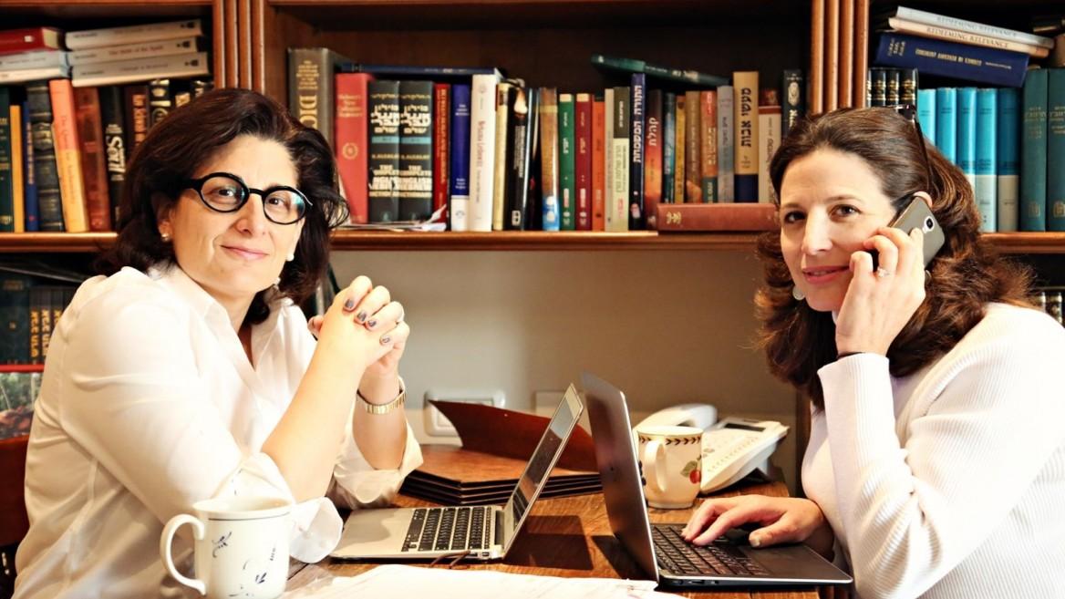 Naomi Brounstein, left, and Vivi Mann working on Ten Gav. Photo by Hindy Lederman