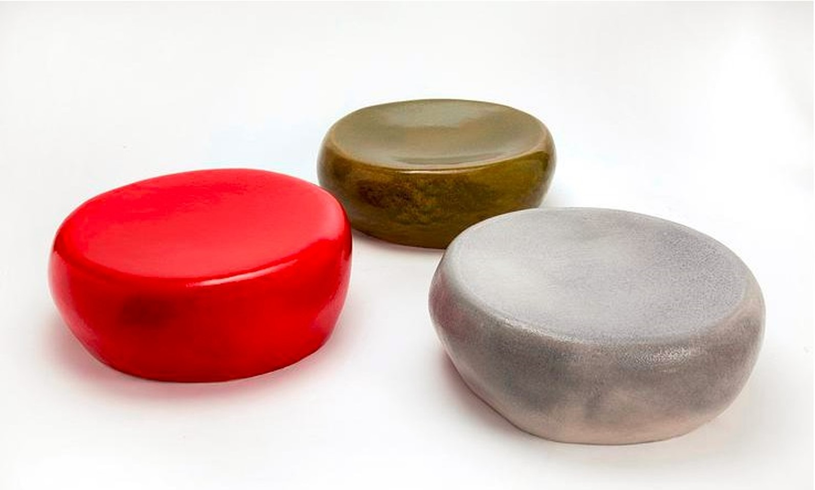 Ceramic cocktail tables by Ifat Shterenberg. Photo via ifatshterenberg.com