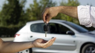 Buy a car online and get it delivered to your door. Image via Shutterstock.com