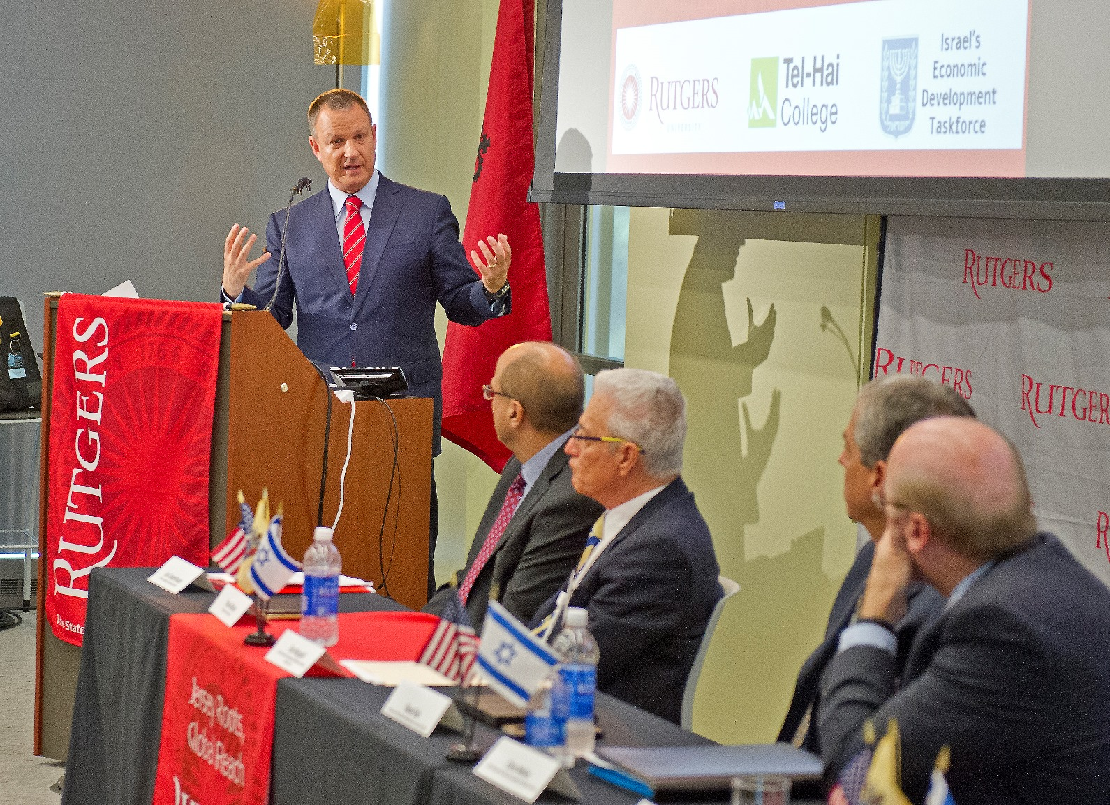 Erel Margalit announcing the New Jersey-Israel Healthy, Functional and Medical Foods Alliance at a signing ceremony at Rutgers University in New Jersey, September 18, 2015. Credit: Ron Sachs