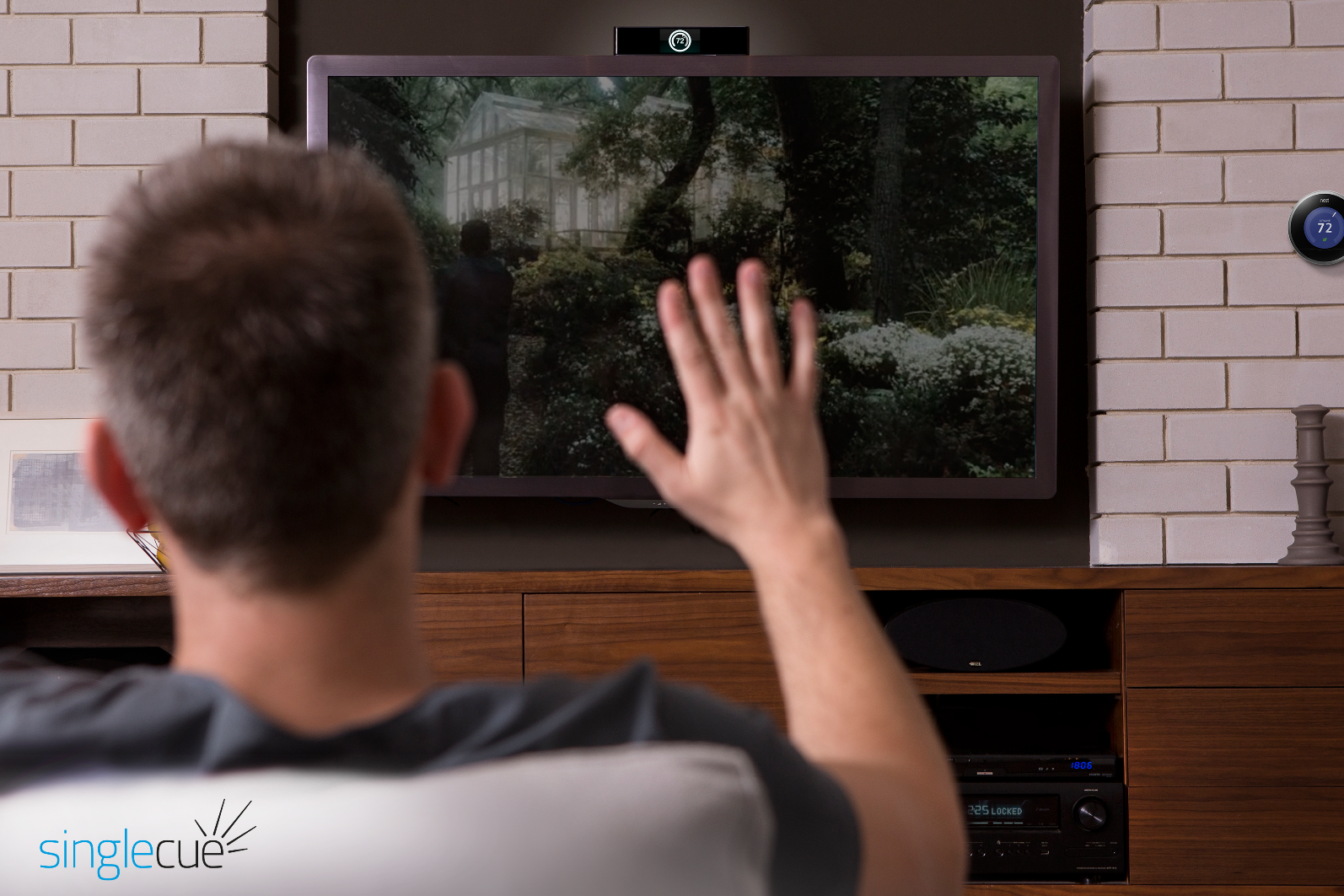 Singlecue recognizes hand motions for remote control. Photo: courtesy