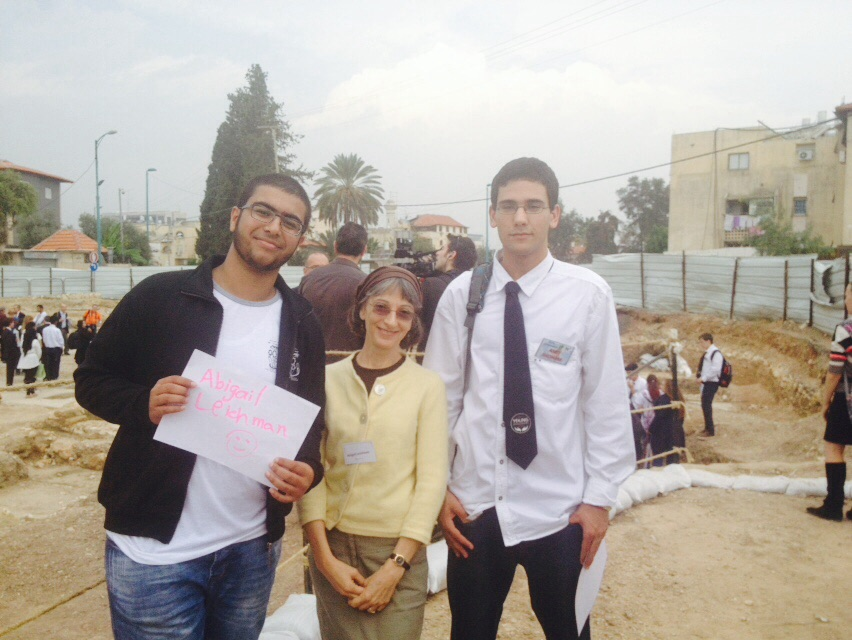 ISRAEL21c's Abigail Leichman with Amer Mgarbh, left, and Amit Shoham. Photo by Juliana Hashoul/ORT High School Lod