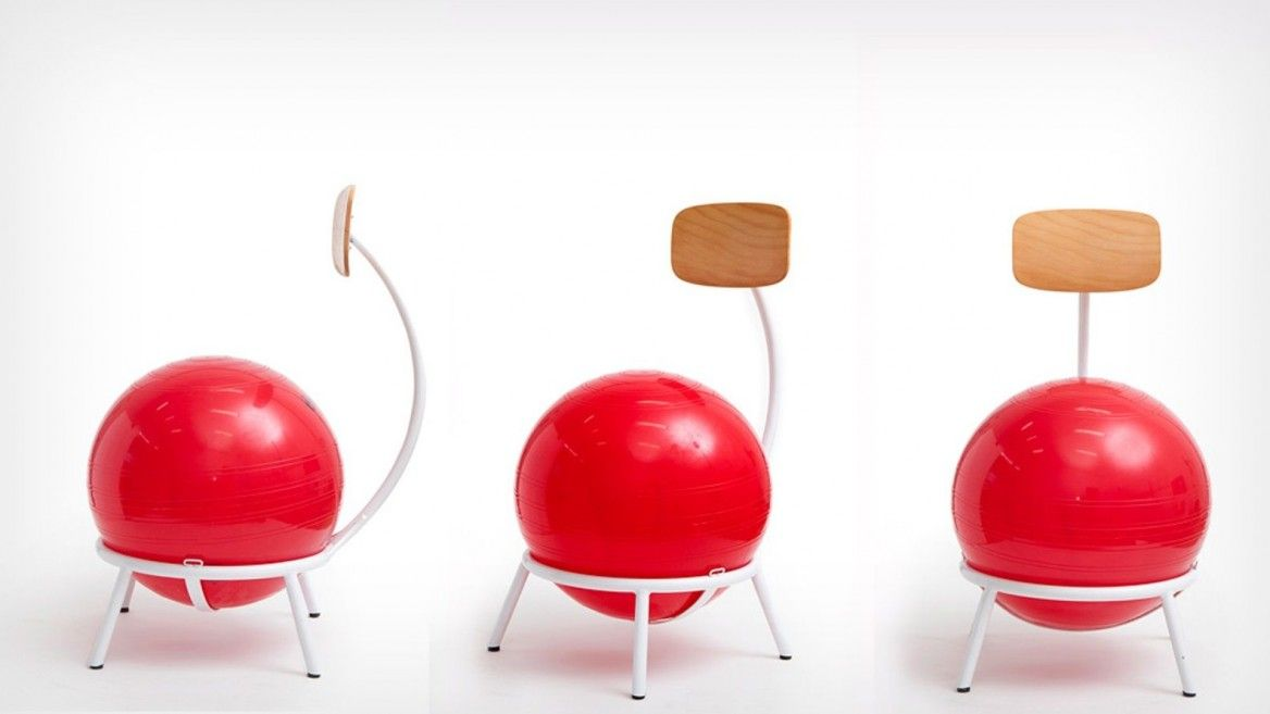 The yoga-ball chairs let students expend energy while learning. Photo by Roi Mizrahi/Xnet