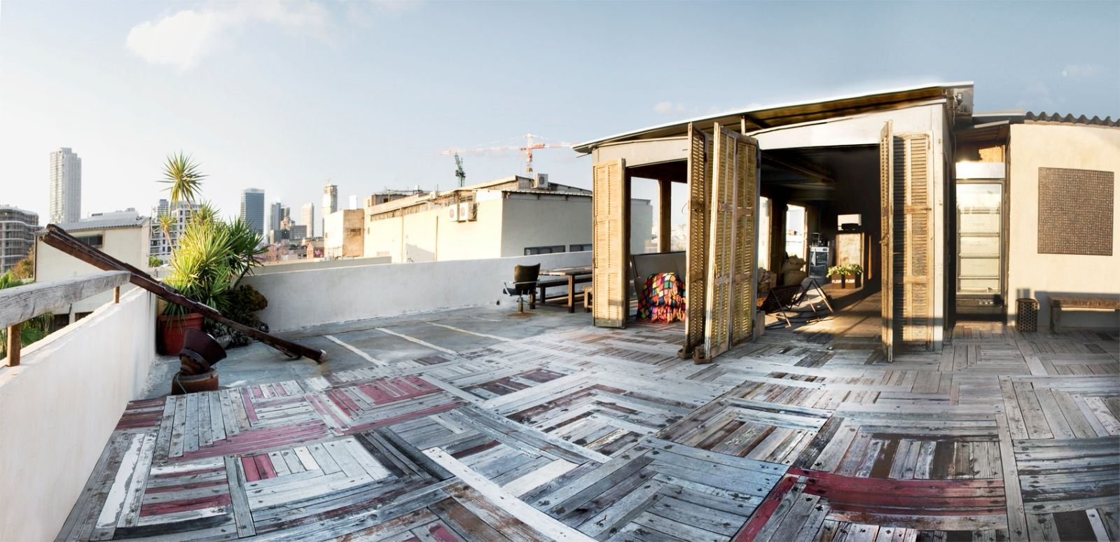 Tel Aviv rooftops are popular for corporate get-togethers. Photo courtesy of Splacer