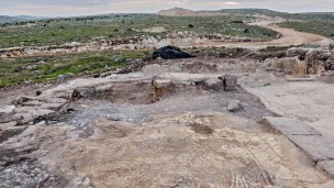 An aerial view of Rosh HaAyin excavations. Photo by Assaf Peretz, Courtesy of the Israel Antiquities Authority.